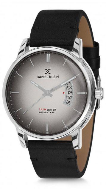 Daniel Klein dk350962 óra